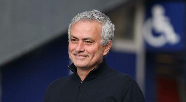Roma, Mourinho allenatore psicologo. La risposta a Shaw: «Io miglioro la mentalità dei giocatori»