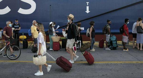 Viaggi Grecia: Plf, green pass, certificato vaccinale. Ecco i documenti necessari per partire