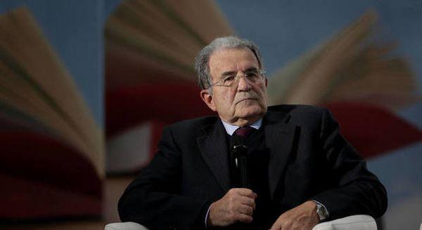 Romano Prodi a Più Libri più Liberi (Cecilia Fabiano/Ag.Toiati)