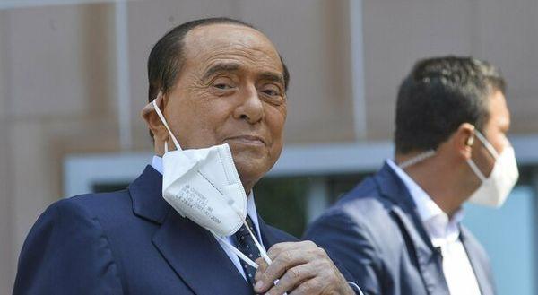 Silvio Berlusconi: «Avanti col Green pass o vaccino obbligatorio»