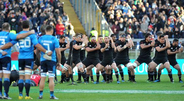 Rugby, verso Italia-All Blacks all'Olimpico, esordienti e sorprese nel gruppo di Crowley, ct al debutto I biglietti per le tre partite
