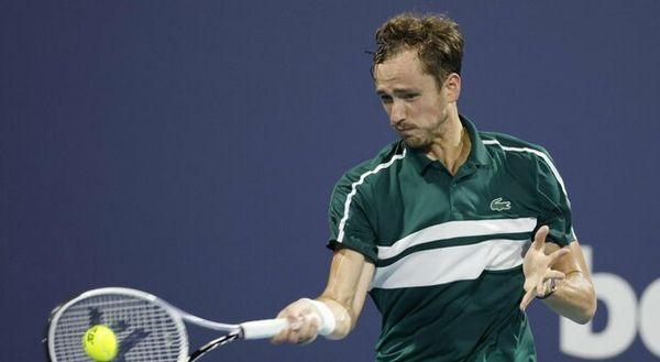Masters 1000 Montecarlo, Medvedev è positivo al Covid: torneo finito per lui