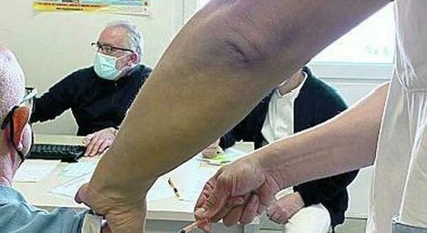 Vaccinazione di massa a Ponza  domani si parte anche a   Ventotene