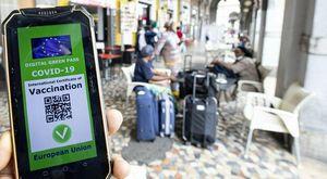 Green pass, multe dal 6 agosto sino a mille euro: cosa rischia chi va al ristorante sprovvisto