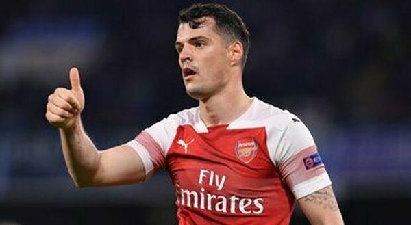 Xhaka delude la Roma. Mourinho punta Grealish: «È come Figo», lui gli risponde: «Vorrei che mi allenassi»