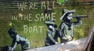 Bansky, il video dello street artist al lavoro: una