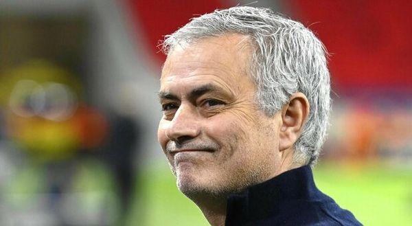 Mourinho alla Roma, vincente e provocatore: «Non vedo l'ora, daje!»