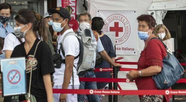 Variante delta, nel Lazio all'80,8%: 9 nuovi contagi su 10 tra non vaccinati, età media positivi 24 anni. Il report Seresmi-Spallanzani