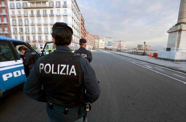 Controlli anti-Covid a Chiaia, due sanzionati: erano fuori Comune
