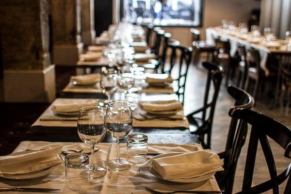 Covid: festa al ristorante nel Napoletano, 59 multati e hotel chiuso