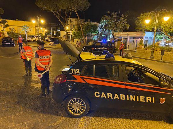 Ischia e Procida, carabinieri al lavoro per arrivo turisti