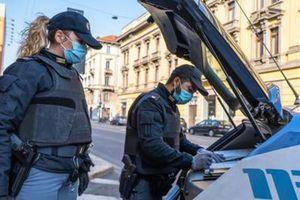 Ladri dalle fogne al caveau della banca: furto da 140mila euro a Salerno