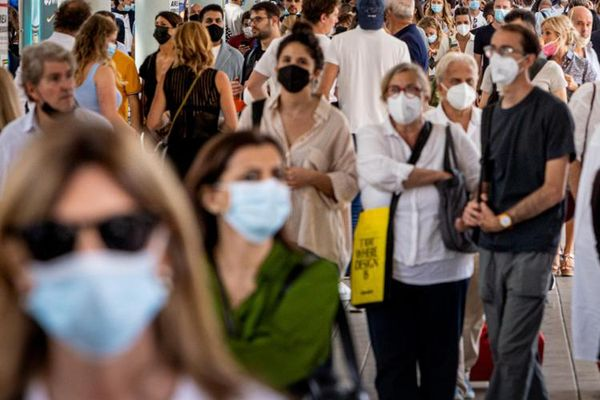 Covid in Italia, 3.099 contagi e 44 morti