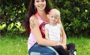Era affetta dalla malattia Benjamin Button, muore a 18 anni invecchiata sino a 144. «Mamma, lasciami andare»
