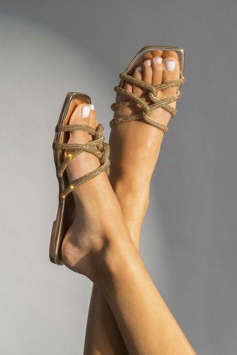 Flat σανδάλια με πλεγμένα λουριά και strass, χρυσά