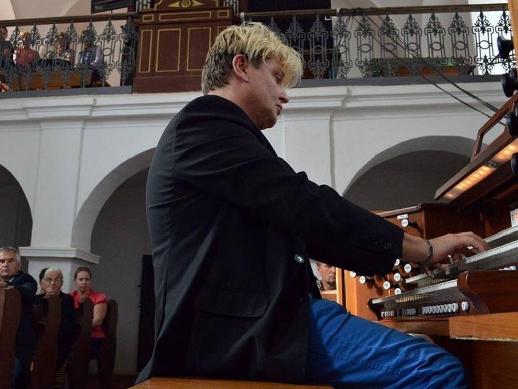 Varnus Xavér koncertje a...