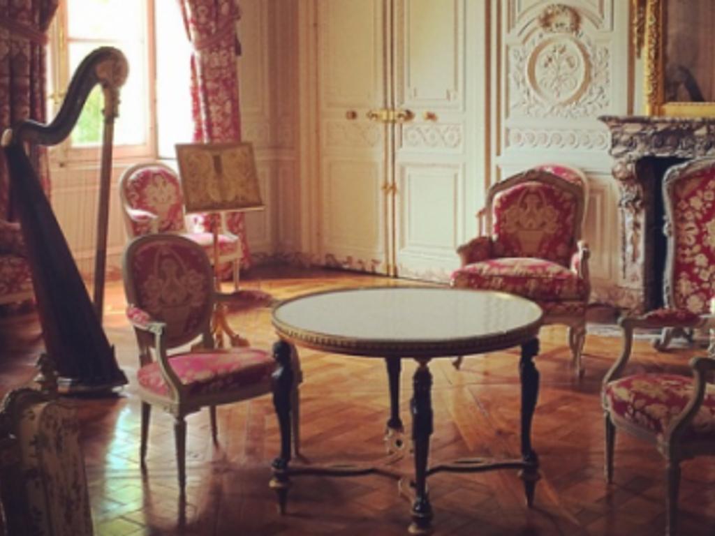 ROUSSEAU - Salon de...