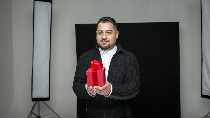 Caramel lemezborítóját Tarján Zsófi, a Honeybeast énekese tervezte