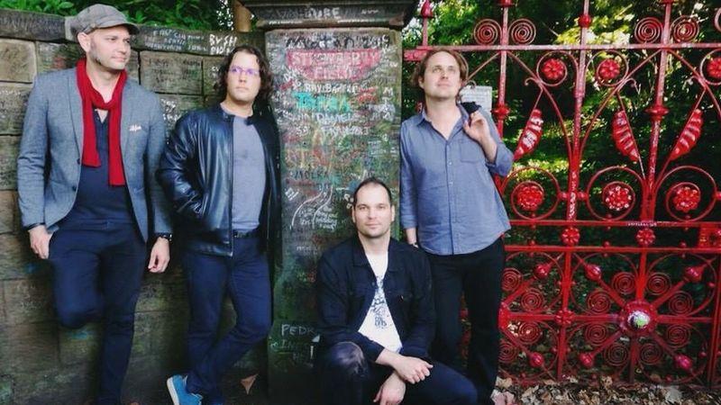 Magyar zenekar a liverpooli Beatles szentélyben