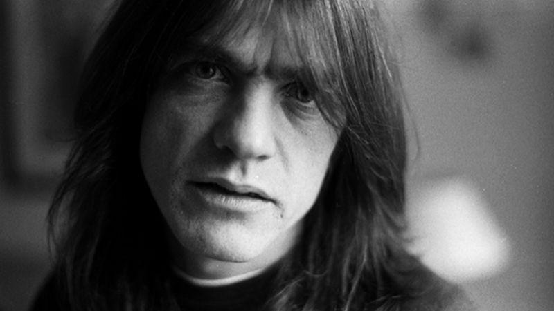 Meghalt Malcolm Young, az AC/DC alapító-gitárosa