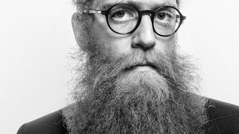Ismét a Dürerben játszik az őrült szakállas