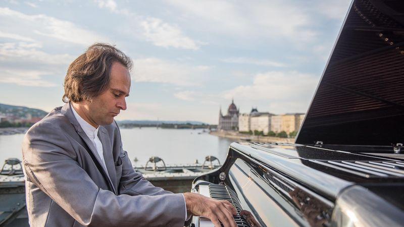 600 minikoncert a főváros 11 pontján: Zenélő Budapest