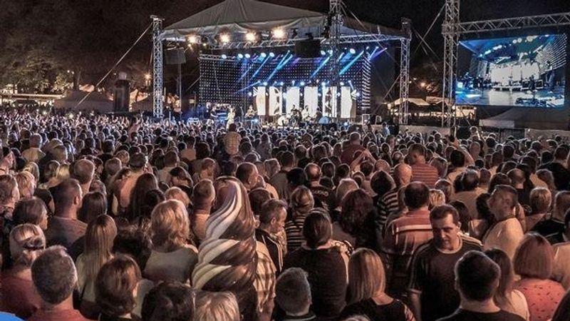 Felhőszaggató buli lesz koncertekkel a 68. (!!!) bányásznapon