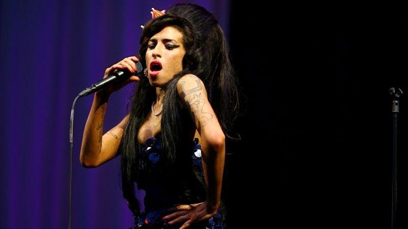 Kiakadtak Amy Winehouse rajongói: az elhunyt sztárt hologramként turnéztatják