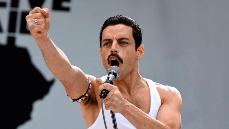 Ez Rami Malek, nem Freddie...