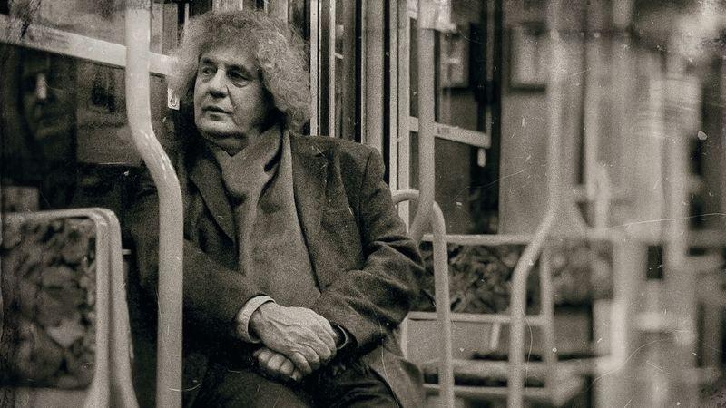 40 sikeres album után most végre saját magának írt lemezt Dés László