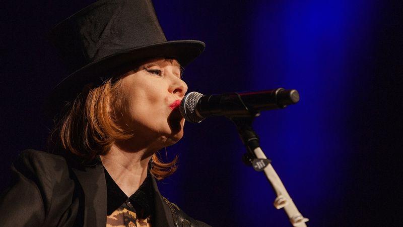 A Koncert.hu tudósítójának sikerült lepisszegnie a Suzanne Vega-koncerten Ákost