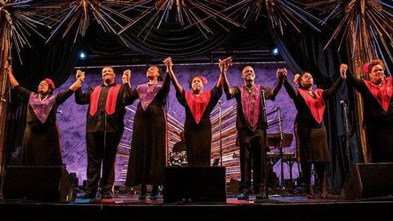 Aretha Franklin emlére énekel a Harlem Gospel Choir Budapesten