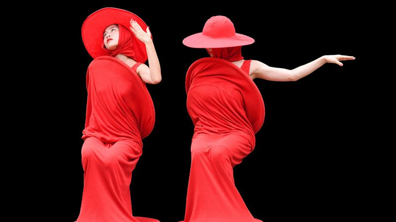 Astor Piazzola zenéjére mozognak a Pirosruhások