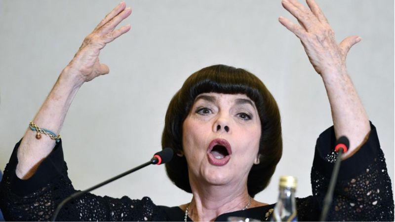 Mireille Mathieu Budapestre jön!
