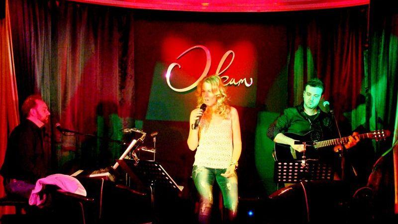 A százezer lájkos énekesnő: Wolf Kati