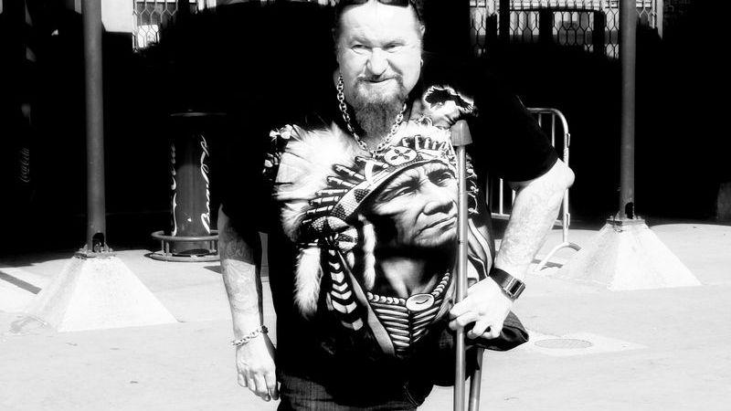 Bill kapitány, a koncert és az életmódmagazinok