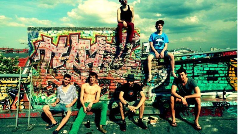 Hazatértek az utcazenészek: Bohemian a New Orleans Clubban
