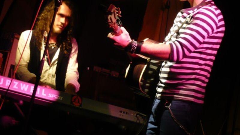 Párosban szép az élet - We Are Rockstars és Baricz Gergő az R33-ban
