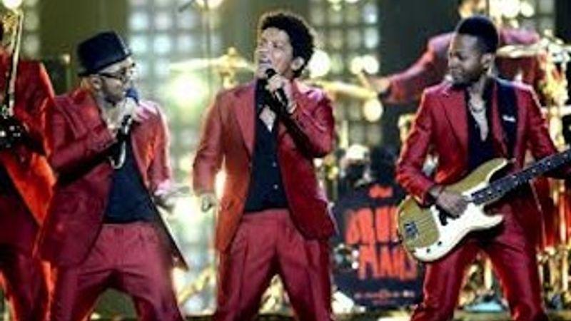 Közeledik Bruno Mars: kulisszatitkok