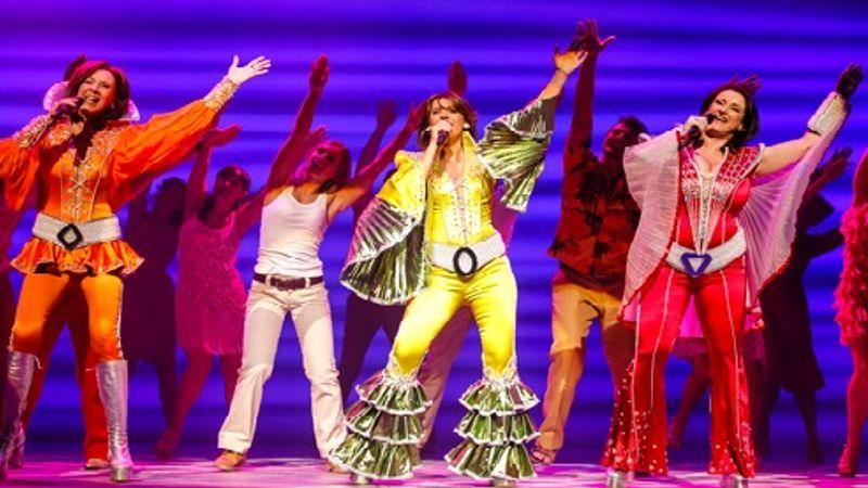 A világon először: a Mamma Mia! Magyarországra jön