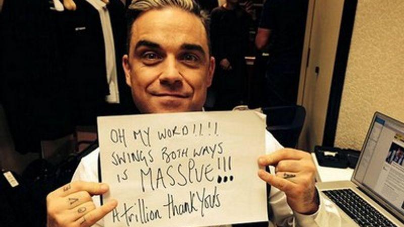 Robbie Williams vezeti a brit listát