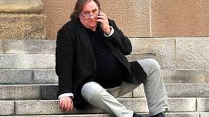 Depardieu a szegedi Háry Jánosban? Igen!