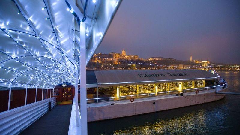A Columbus Club tavasztól újra várja vendégeit a Columbus Hajó fedélzetén!