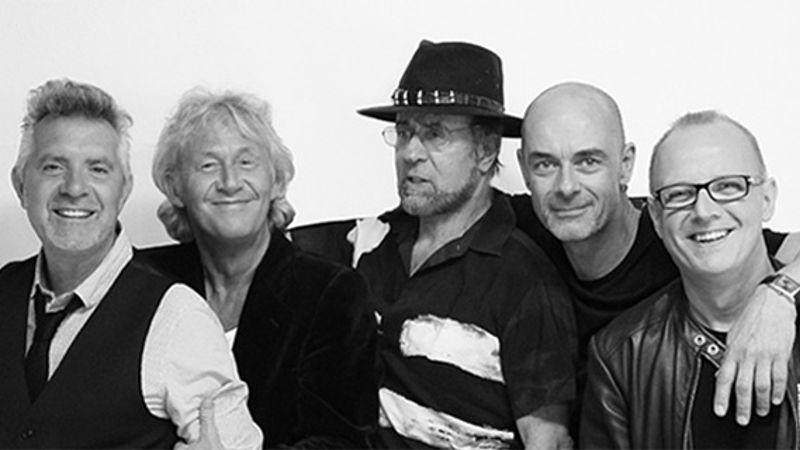 HELYSZÍNVÁLTOZÁS! Ismét Magyarországra érkezik a Manfred Mann's Earth Band!