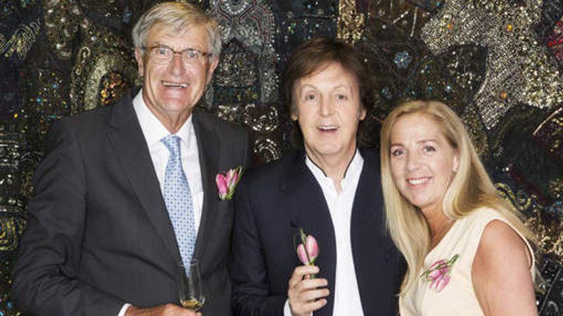 Paul McCartney lepezsgőzte a róla elnevezett tulipánt