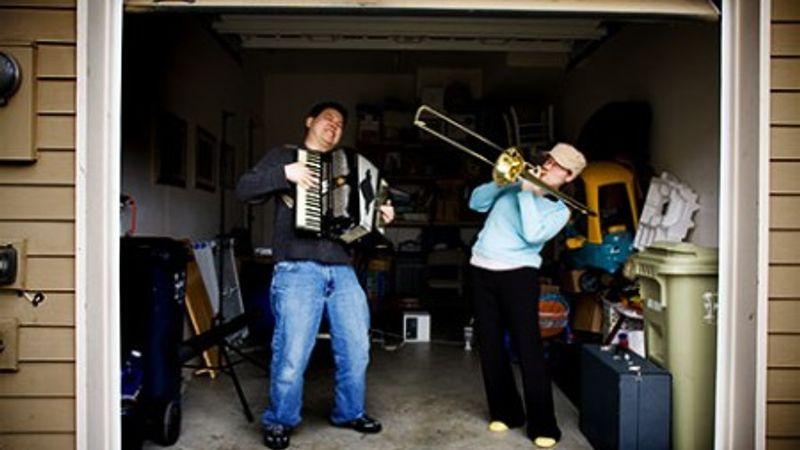 Kezdő zenekarok, figyelem: 2 milla állhat a házhoz!
