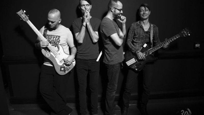 Különleges programra készül a 30Y zenekar ismert színészekkel - NEM koncert és NEM színház a Városmajorban