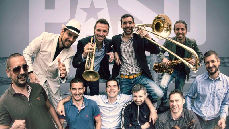 Szabadtéri évadzáró PASO-koncert a Kobuciban