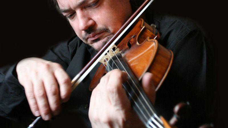 Klasszikus és kortárs legendák a hegedű fenegyereke, Szergej Krilov koncertjén
