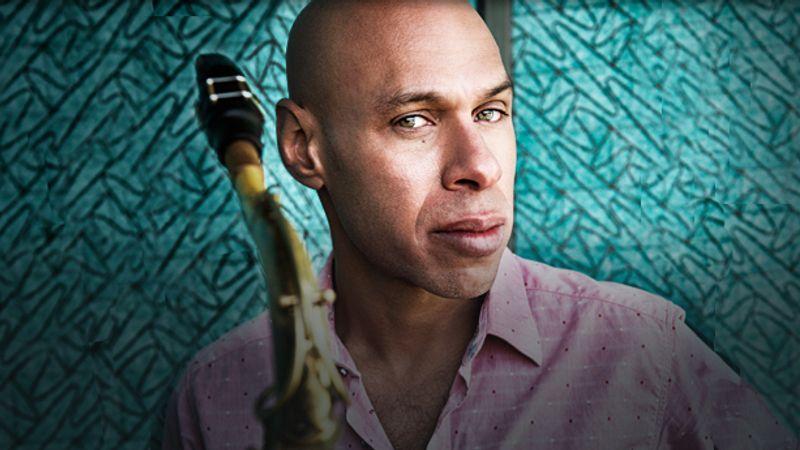 3 nappal a Grammy-gála előtt lép fel a Müpában a díjra jelölt egyik zenész